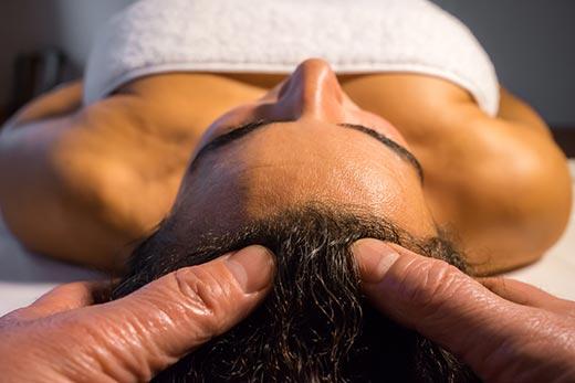 Körper Geist Kopfmassage